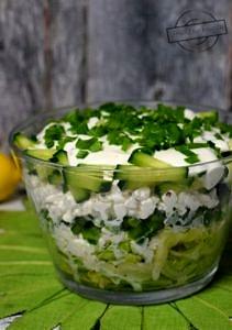 Zielono-biała sałatka warstwowa